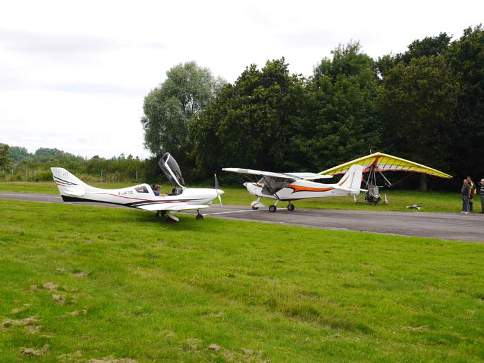 Trois générations d'ULM se rencontrent © Aerobuzz/Fabrice Morlon