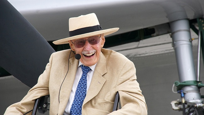 Bob Hoover smiled graciously at the warm reception he received for his Warbirds in Review session Friday morning. (Photo by Frederick A. Johnsen)