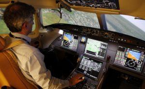 La prise en compte des facteurs opérationnels et humains a forgé l'évolution des cockpits, les rendant plus intuitifs © Dassault Aviation