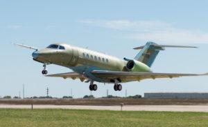 Le Citation Longitude décolle en 4.900 ft (1.494 m) et rejoint son niveau de croisière FL430 (13.100 m) en 22 minutes. © Textron Aviation