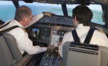 C'est à la demande d'ATR qui a conscience que le développement du transport aérien régional dans le monde passe par des pilotes de ligne qui maîtrisent les fondamentaux. © ATR