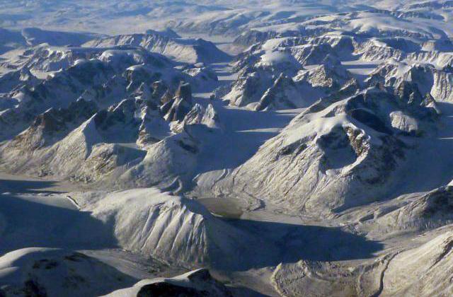 polar-kid-parc_national_auyuittuq-nunavut-canada