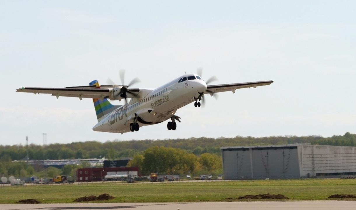 A l'occasion de ce vol expérimental, ATR rappelle qu'un ATR 72-600 émet 40% de moins de CO2 qu'un jet régional. © Braathens